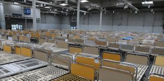 Coronavirus: 500 Betten und 350 Nachtschränke sind aus Springe auf das Messegelände umgezogen. Foto: Region Hannover /P. Westphal