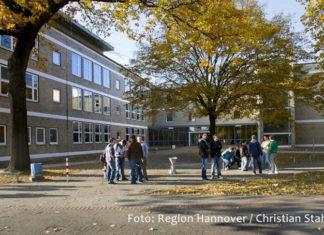 Kräftig investieren will die Region Hannover in die Digitalisierung ihrer Schulen - so wie hier in der BBS für Metall- und Elektrotechnik. Foto: Region Hannover / Christian Stahl